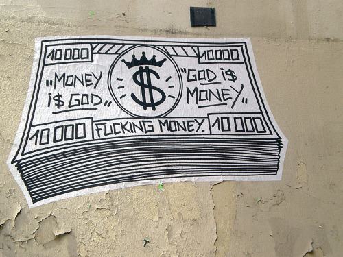 Money i$ god / god i$ Money