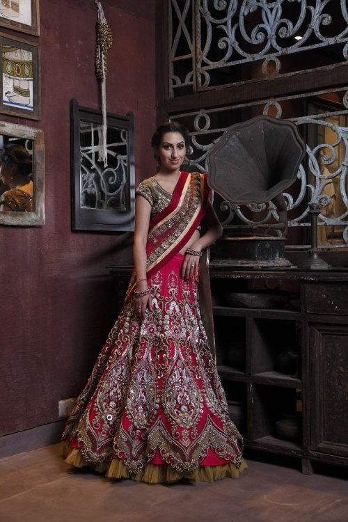 beautifulindianbrides:  Outfit by:Jaya Misra