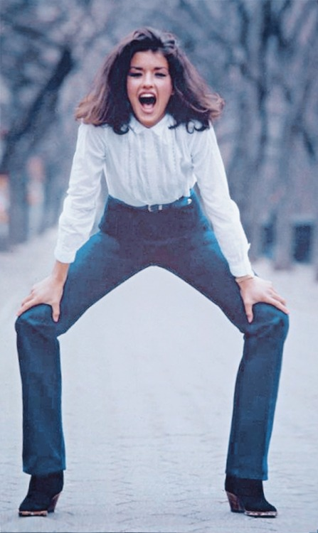 ladiesofthe70s:  Janice Dickinson