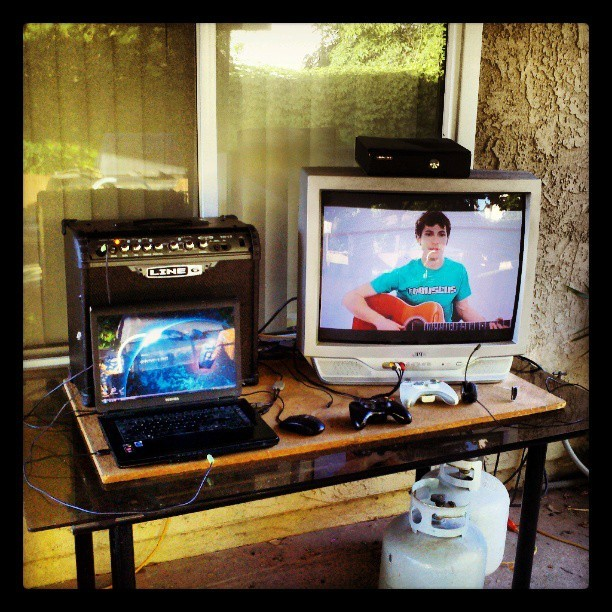 My new setup outside. #outdoorsetup #backyard #line6 #laptop #DoctorWhoDesktop #xbox #youtube #Tobuscus #headset #summertime #backyardbattlestation