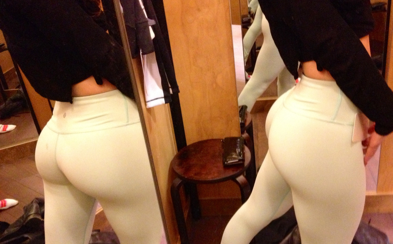 gottawork-out:  buffyshot:  We Love Squats  holy perfect