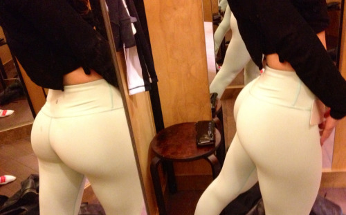 buffyshot:  We Love Squats
