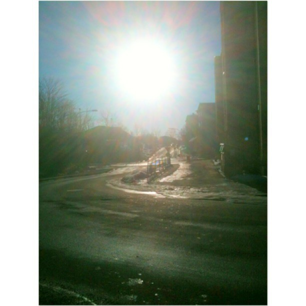 Sun Light !!!!  #sun #sunny #light #sky #clouds #sweden #stockholm #sverige #street  #beautiful #sweet  (på/i City In The Clouds )