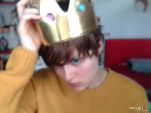 i haev a crown because i am the prince