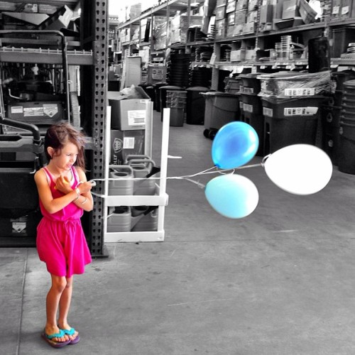 It's #windy at #homedepot. My #daughter clinging to her #balloons as my wife and I look at clearanced curtain rods. —————————————————————————- #shopping #poway #kid #colorsplash #blackandwhite #selectivecolor #blue #pink #iphonesia #iphoneonly #jj #jj_forum #weird #Photooftheday #imageoftheday #mobilephotography #igers #iger #instahub #instagood #instagramhub #igerssandiego #california_igers #igerscalifornia #spring