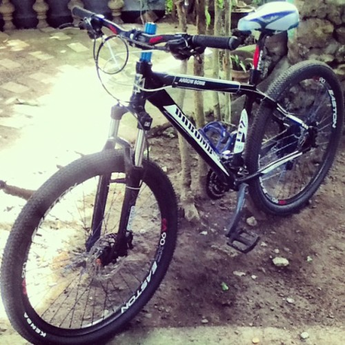 WOOAHH!! :O another bike?! Grabe! Si pudra na talaga. 🙉😨