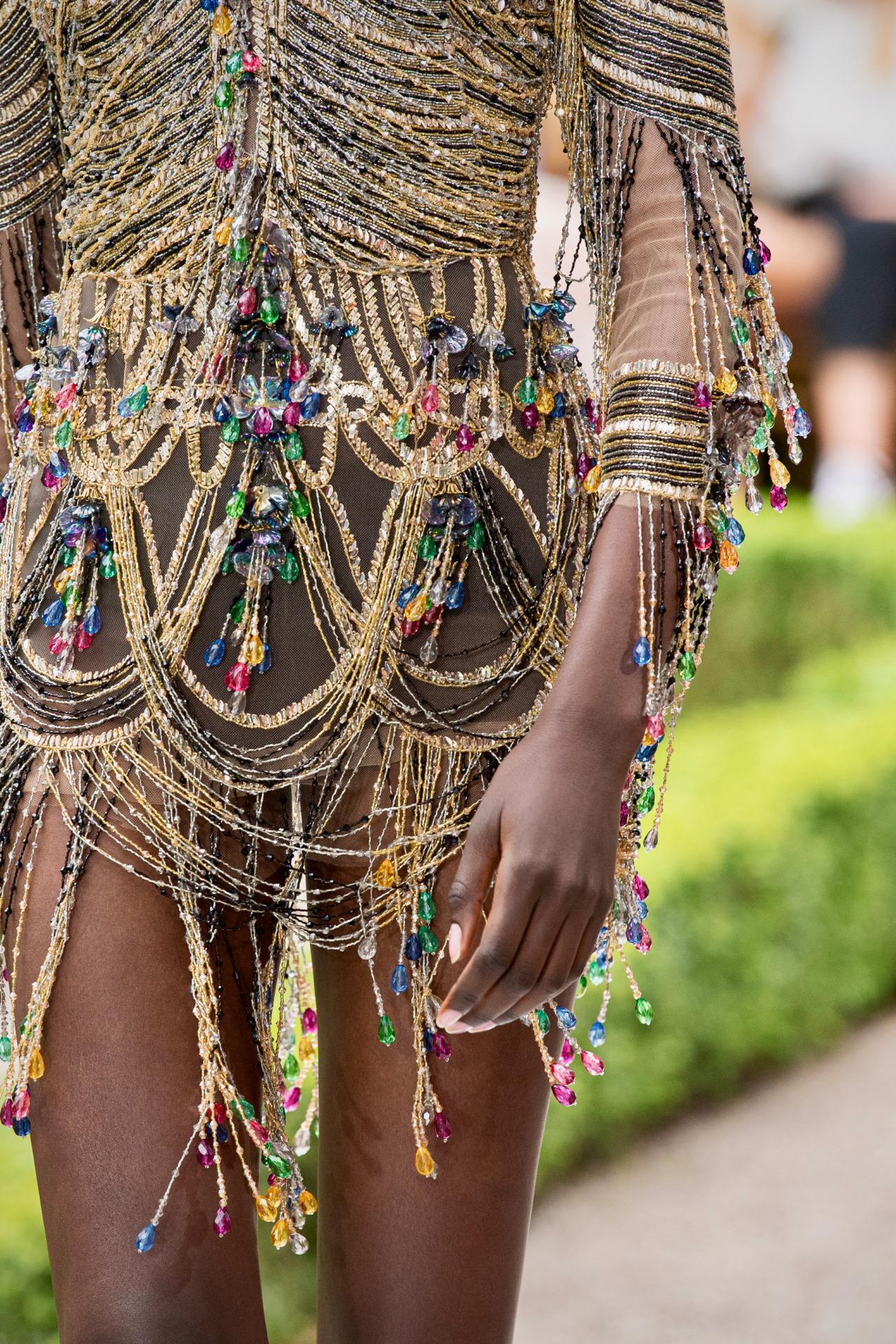 Zuhair Murad  Fall/Winter 2021 Couture #Zuhair Murad#fashion#style#haute couture#pfw#runway#catwalk#couture#gowns#fashionedit#fashion edit#fashion details#details