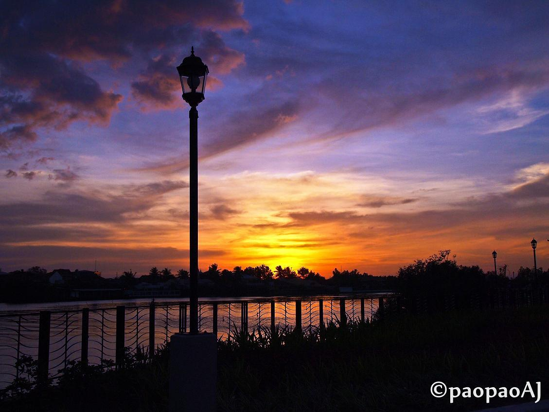Sunset in the City of LoveIloilo Esplanade, Iloilo City, Philippines