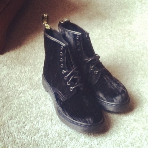 Finally got them ! (1/2) #drmartens #doctormartens #boots #black #suede #shoes #finally #mine #like #reblog #love