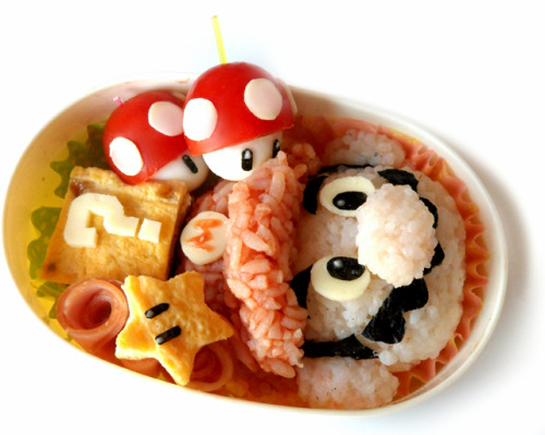 robotic-amando:  laughingsquid:  How to Make a Super Mario Brothers Bento Box  How freaking adorable!  So cute!