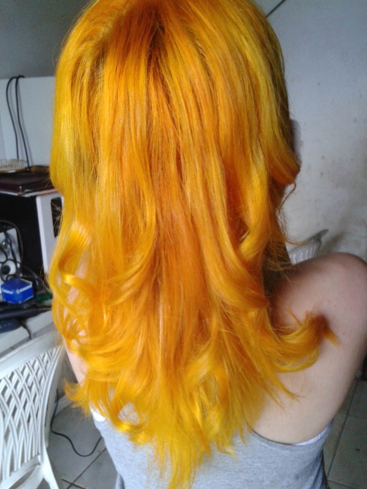 fuckyeah-dyedhair:  work gave me this hair!!! despite being gorgeous in this color, I lived with my hands and neck stained by ink. http://amyrismo.tumblr.com