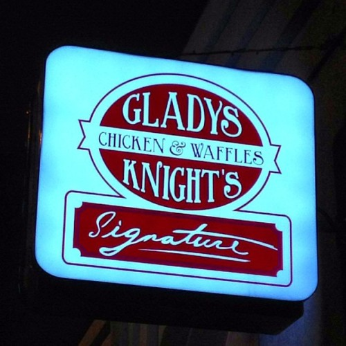 #chicken&waffles #atl #georgia  (at Gladys Knight's Signature Chicken & Waffles)