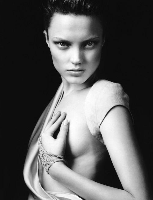 "stormtrooperfashion:  Naty Chabanenko in ""Naty"" by Robert Hamada for Smug Magazine, January 2011"