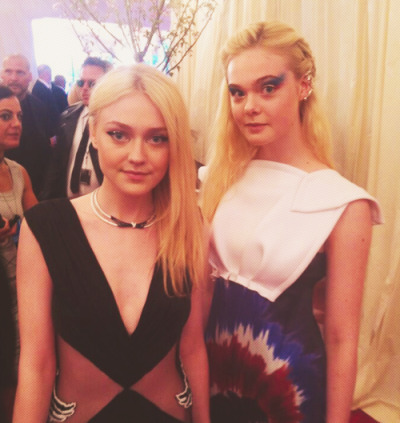 Dakota and Elle Fanning at MET Gala 2013 on Monday…