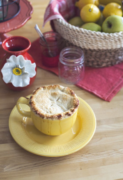 Lemon Apple Mug Pie.