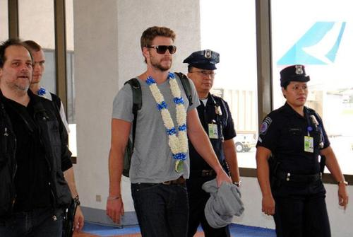 PHOTO: Liam Hemsworth at Ninoy Aquino Intl. Airport, Manila Liam arrived at 5:00am (MNL time) today from Australia to fulfill his endorsement deal with Bench. Photo courtesy of GMA News