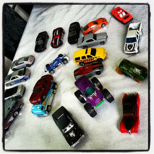 My nephew car dealers ship!!! #cars #toys #dealers #nephews  #imagination #dreamingbig #oneday  (at My Sister's Apartment)