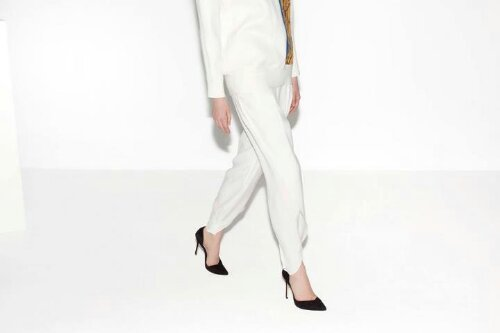♡ In love: Zara white trousers! ♡  #wishlist now!! Source: ZaraView Post