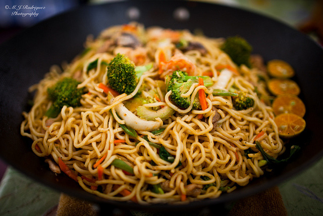 Filipino Noodles: #Pancit #FilipinoEats