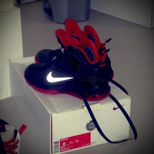 #fuckyourjordans @kingjames 9s! (Photo taken and uploaded via MOLOME )