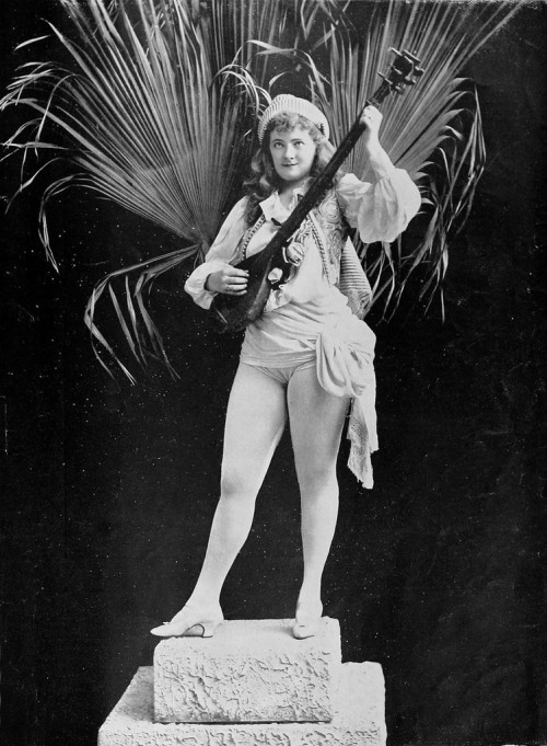 mudwerks:  molly fuller 1897 (by Captain Geoffrey Spaulding)