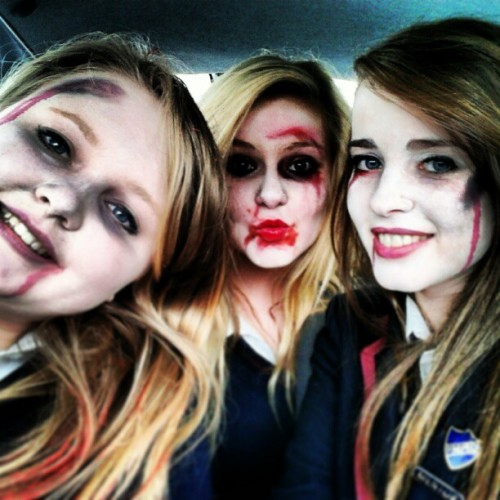 #zombies #scary #bestfriends #selfie #lastday