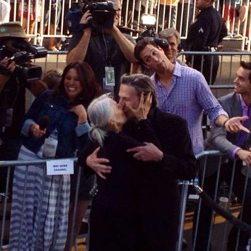 ifandomscollide:  Total photobomb of #leonardNimoy's epic red carpet kiss! So awesome! #DougKolk #startrekpremiere #startrekintodarkness #spock