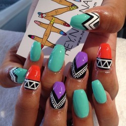 just did my nails like this:)