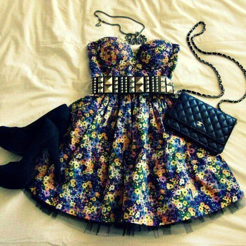 simplyyinspired:  Clothes combination. | via Facebook on We Heart It. http://weheartit.com/entry/59835840/via/netau