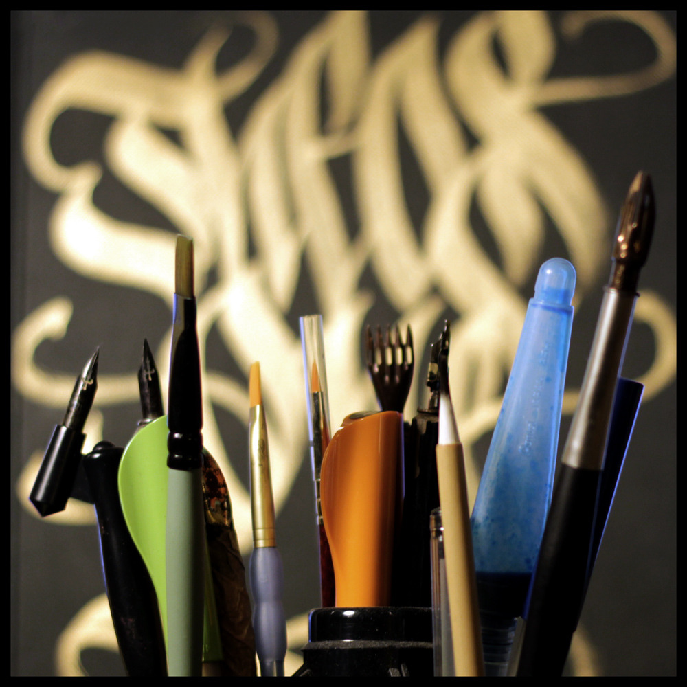 calligraphi.ca - theos tools - golden molotow in the background - theosone