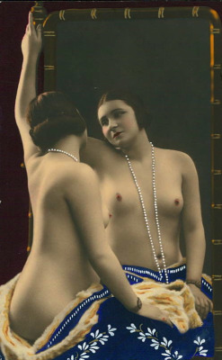maudelynn:  Mirror Gazing ~  lovely hand tinted 1920s nude postcard  (and that is all for today! Till Tomorrow!! xo xo )