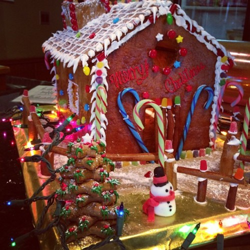 Oh, so that's where the gingerbread man lives… ⛄🎄#tcrealtalk #holidaze