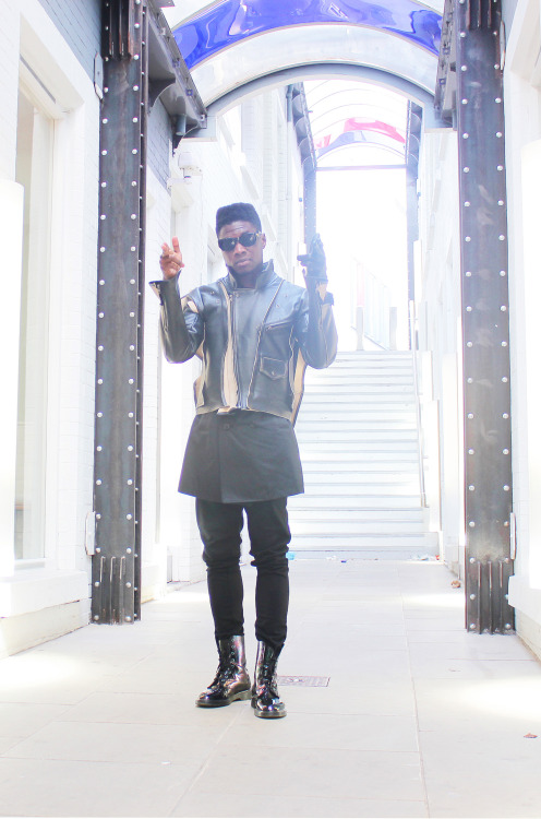 blackfashion:  Tjay, 21, Nottingham Nigerian Instagram: @teeflirty