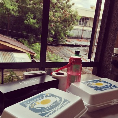 Breakfast by the window. Kanindot sa rusty view hahaha!  (at Blanco Dormitory)