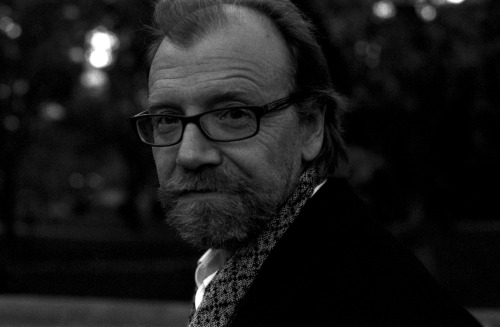 Exciting addition to our February calendar! George Saunders will be reading from his dazzling new collection of stories, Tenth of December, on February 8 at Powell's City of Books.Details here.