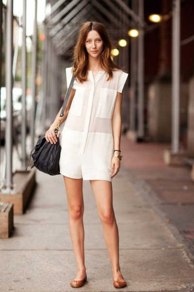 love the simplistic outfit!