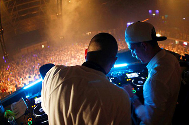vict0riovs:  See you guys in Lisbon! Dimitri Vegas & Like Mike on 18th of May 2013