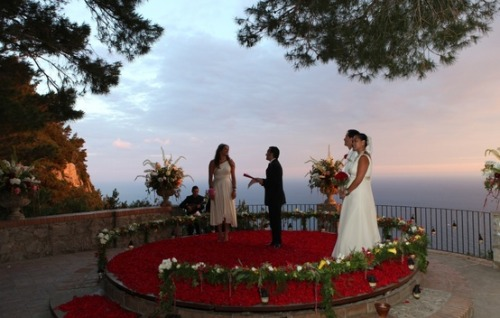 Luxury Wedding in Positano, Ravello, Capri, Amalfi Coast designed by celebrity wedding planners Diana Sorensen for Sugokuii Events www.sugokuii-events.com on We Heart It - http://weheartit.com/entry/43849786/via/sugokuiieventswww.sugokuii-events.com on We Heart It - http://weheartit.com/entry/43849786/via/sugokuiievents
