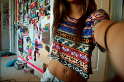 hisprincesscrazy:  girl | Tumblr no We Heart It. http://weheartit.com/entry/50861839/via/carlacogordan