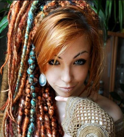 love the hair and would love that lip piercing !