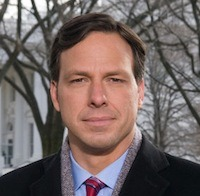 ABC's top White House correspondent, Jake Tapper, is jumping ship for an anchor gig at a rival news network. Deadline's Dominic Patten has all the details here: http://www.deadline.com/2012/12/abc-news-jake-tapper-moves-to-cnn/ What do you think of the move? Are you a fan of Tapper's work, or do you think this won't make much difference for his struggling new employer?