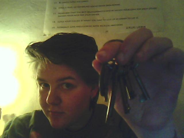 LOOK WHAT I LOOTED TODAY!!! I LOOOOVE keys, so much. Old keys are like treasure. I just want to swim in keys This is just one bunch, I have soooo many more, I am excite!!!