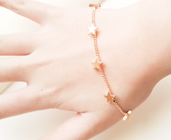 bracelet gold bracelet gold stars cute jewelry cute accessories rainyedit chain bracelet .jewelry discount codes starkin geminu .yellow star accessories stars bracelet