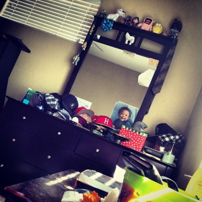 I should probably clean my dresser…. But you know…. Fuck that lol #hats #speakers #kidrobot #tapekid #unicorn #graduationlai #babypicture #stillballin