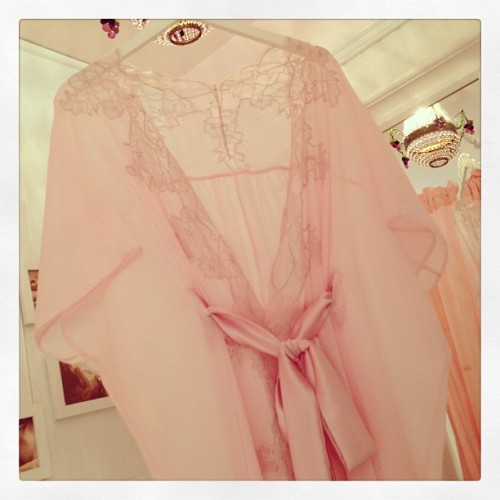 Perfect shade of boudoir pink. thelingerielesbian:  Such a lovely confection. It's not fair that there are such pretty things! froufroufashionista:  Of course our favorite piece is the @fleurofengland Rose Kimono. #instalingerie #pink #instafashion #silk #lace #luxury #loungewear (at Faire Frou Frou)