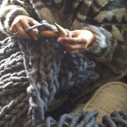 #knitting in #brimfield #brimfieldbarn #yarn#extremeknitting #diy #knit#chunkyknit