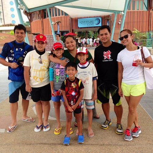 Fun and exciting day!! Adventure Cove Waterpark 👍👍👍 (at Singapore)