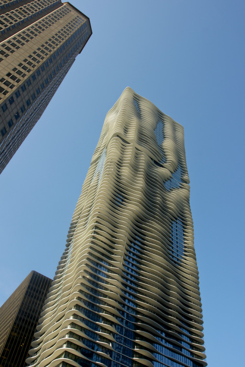 Aqua Tower, Studio Gang Architects @ Chicago, USA