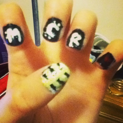 Sorry about the MCR spam. This should be the last one. I did my nails in memory of my favorite band. They turned out pretty well 😊 #mcr #mychemicalromance #MCRmy #blackparade #nails