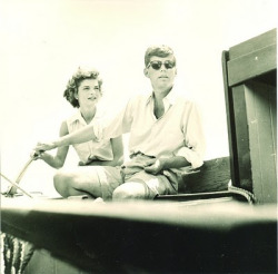 jacqueline-the-american-queen:  Jack and jackie sailing 1953.